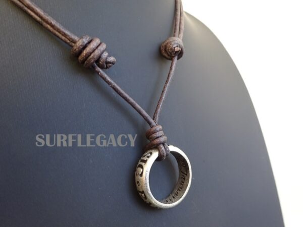 Nathan Drake Ring Necklace Sic Parvis Magna