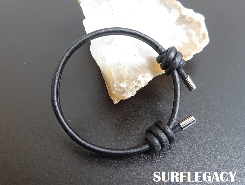 Surfer leather bracelet slip knot black