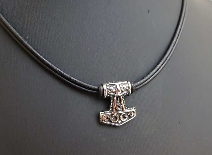 stainless steel mjolnir necklace on round leather